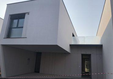 Nadstandardna naselja, nadstandardne hiše
